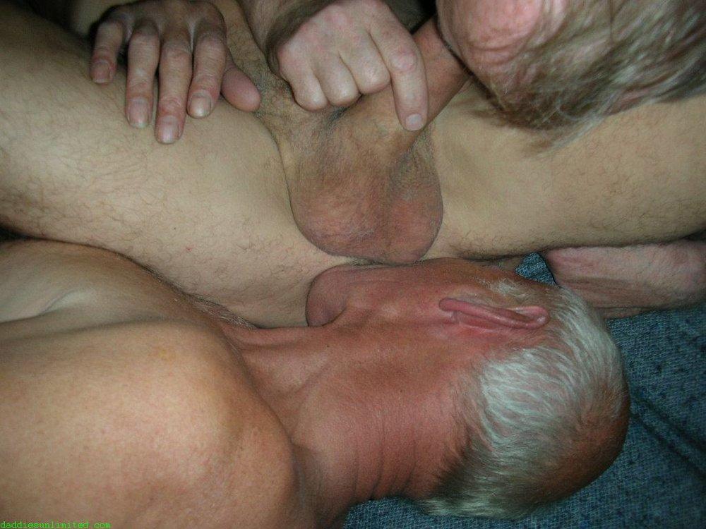 bcn older gay tgp