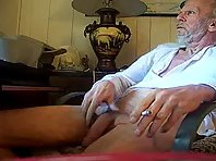 Straight daddy encounter vecchio col cazzone moreover bulge watch