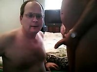 That Bear Older gay Men is jerking off big dick showing a bisex cruisers Tube.