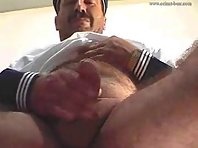 Gay Senior Is Wanking Outside : enjoy old nude daddygay