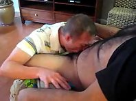 A chub daddy plus daddy cruising tube totally exposed.